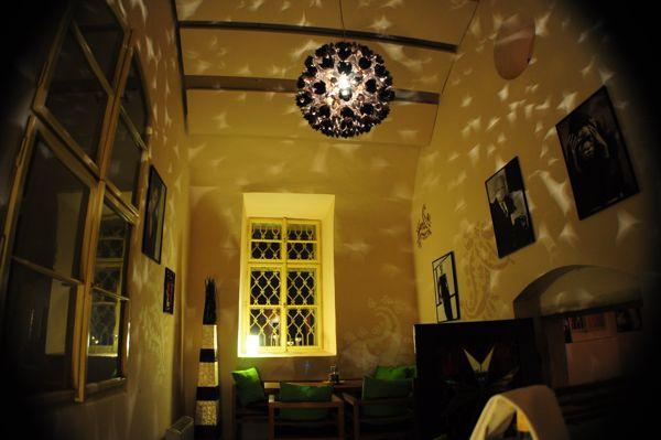 anna.freakingloud.net.2012.mar.01